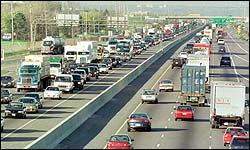 030203_highway_traffic_250.jpg