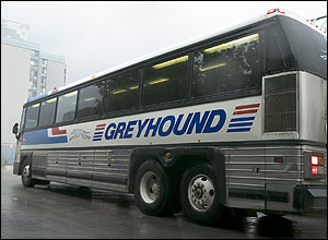 060628_greyhound_bus_300.jpg