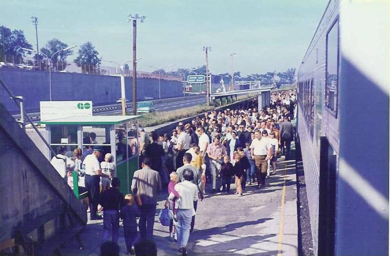 dufferin-gates-station-1967.jpg