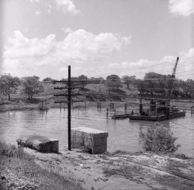 Humber Bay bridge original construction2.jpg