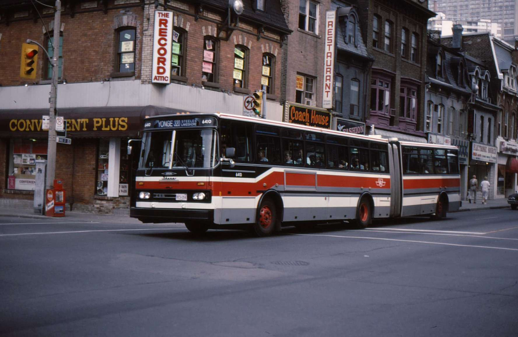 The Orion Iii Ikarus Articulated Bus Transit Toronto Content Gm Engine Diagram 320 Yonge 01