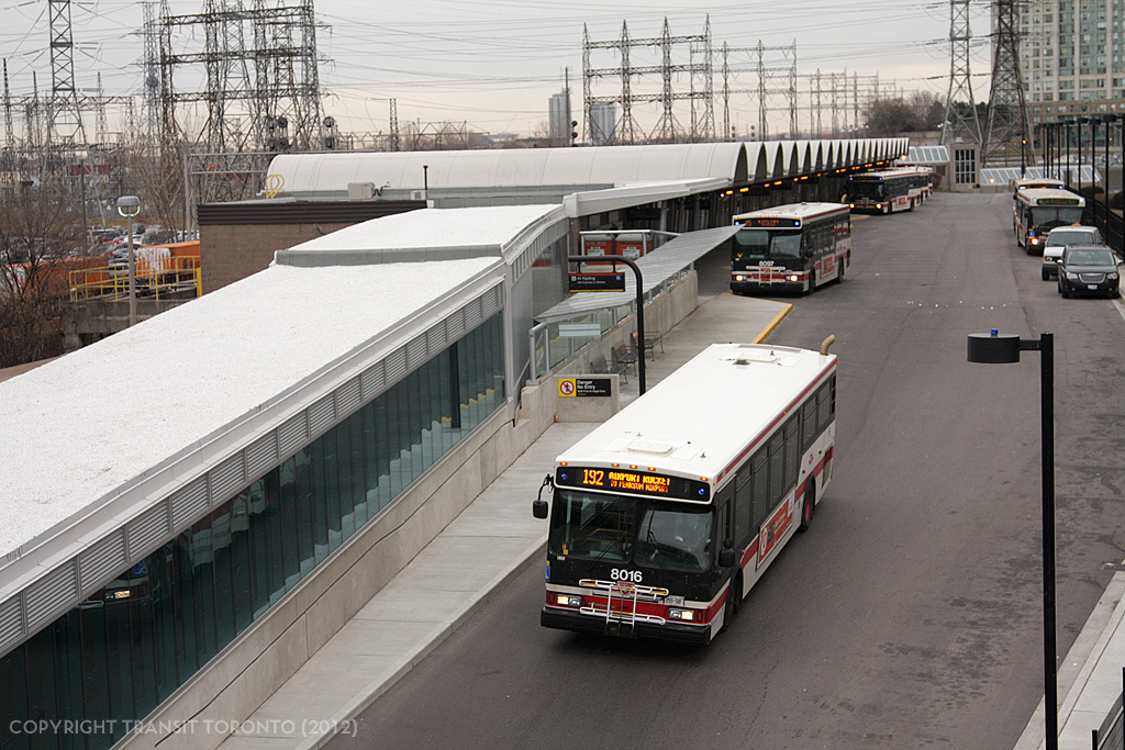 Ttc Adds Luggage Racks To Buses Revises Route For Airport