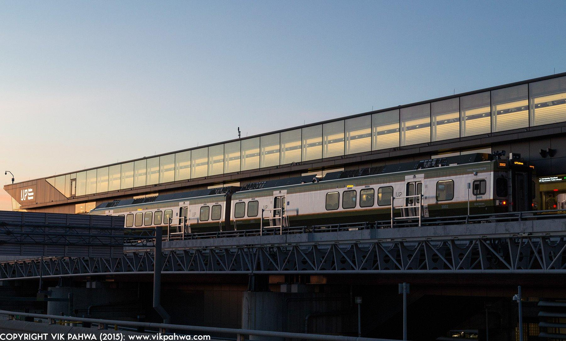 UPExpress_8877_1800x1084_trainPearson.jpg