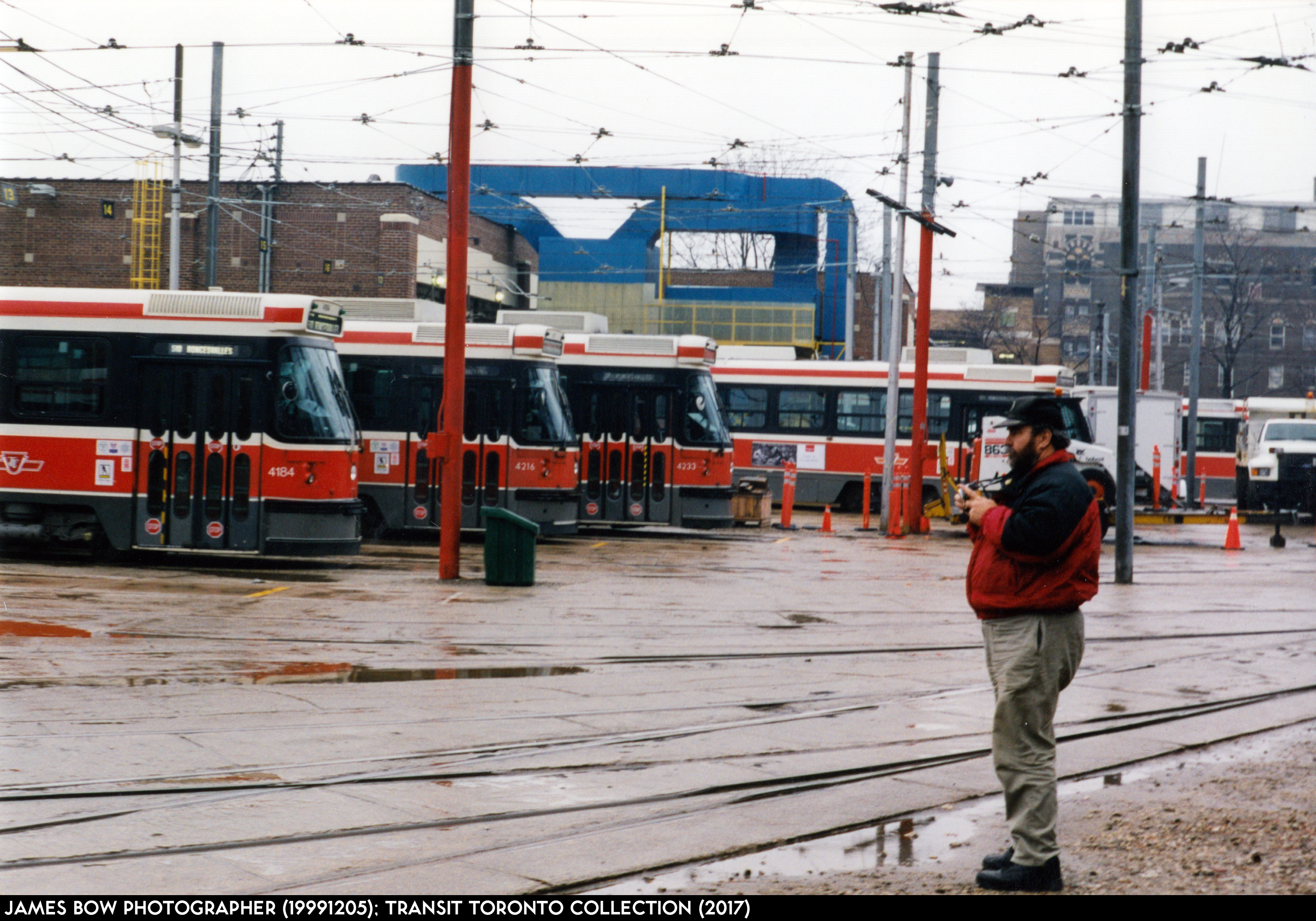 Roncesvalles Carhouse 199912-01