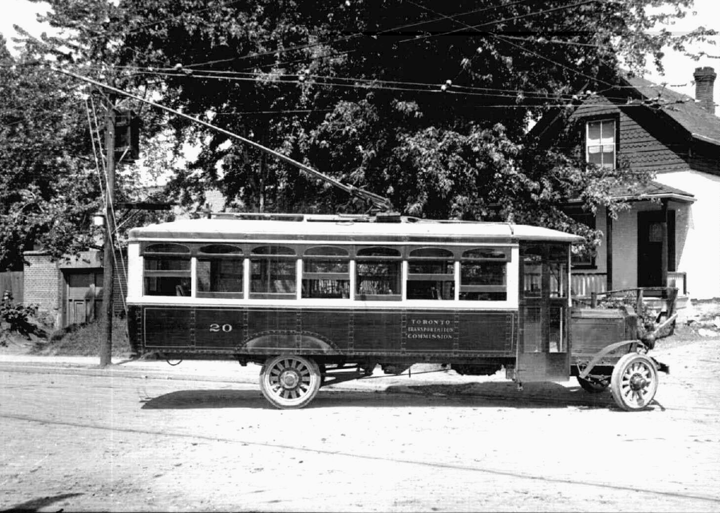 The History Of Toronto S Trolley Buses 1922 1993