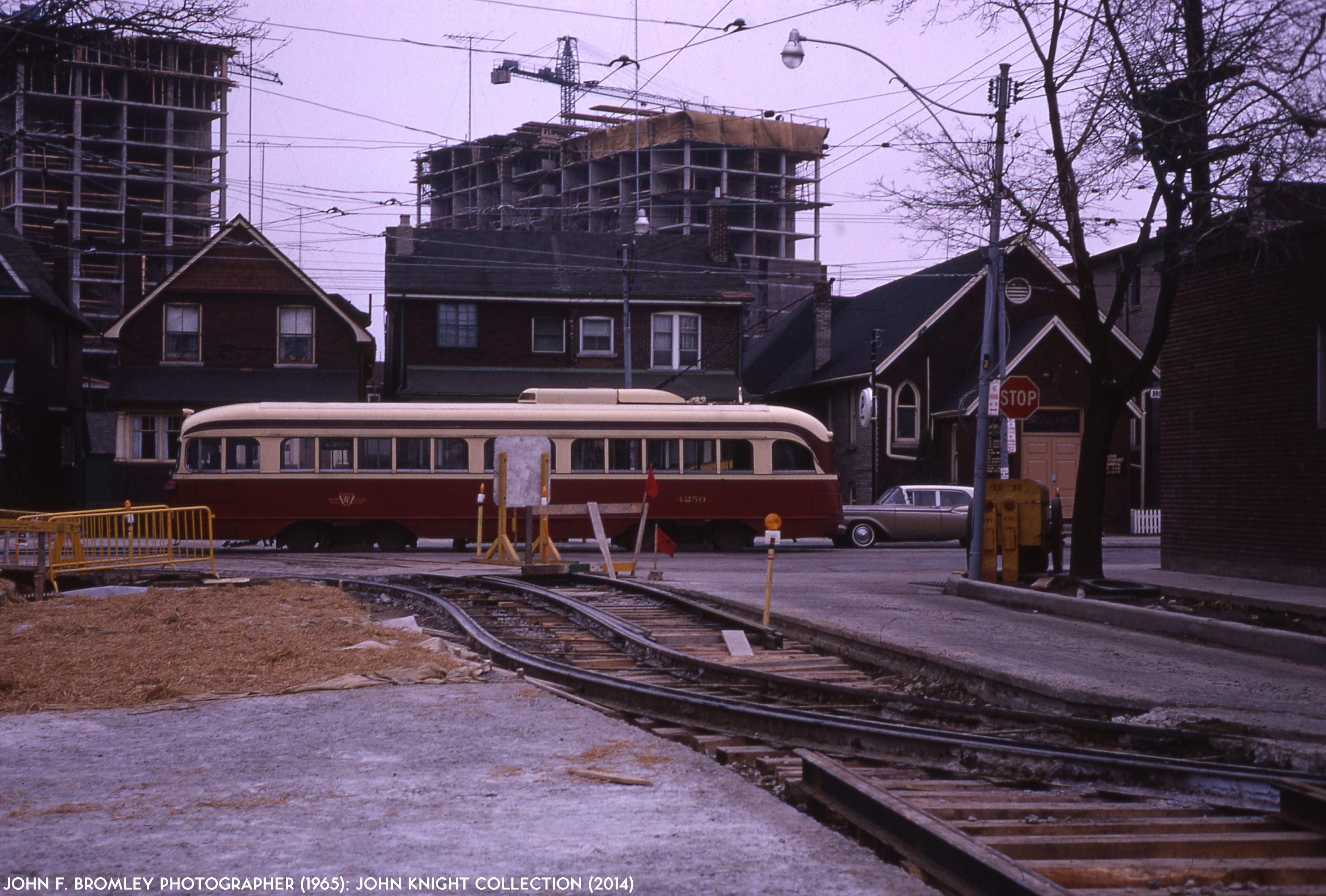 Dundas erindale station escorts Looking Back: Toronto By Night II – Steve Munro