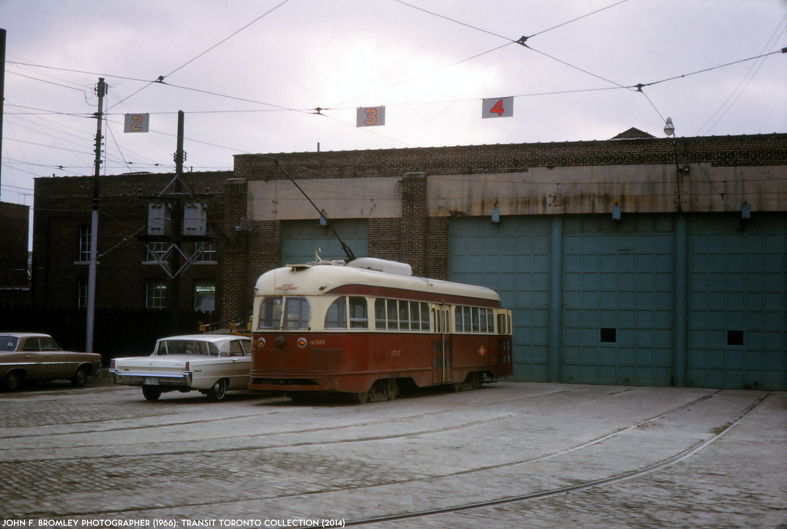 Transit toronto image pcc 4597 for Car house