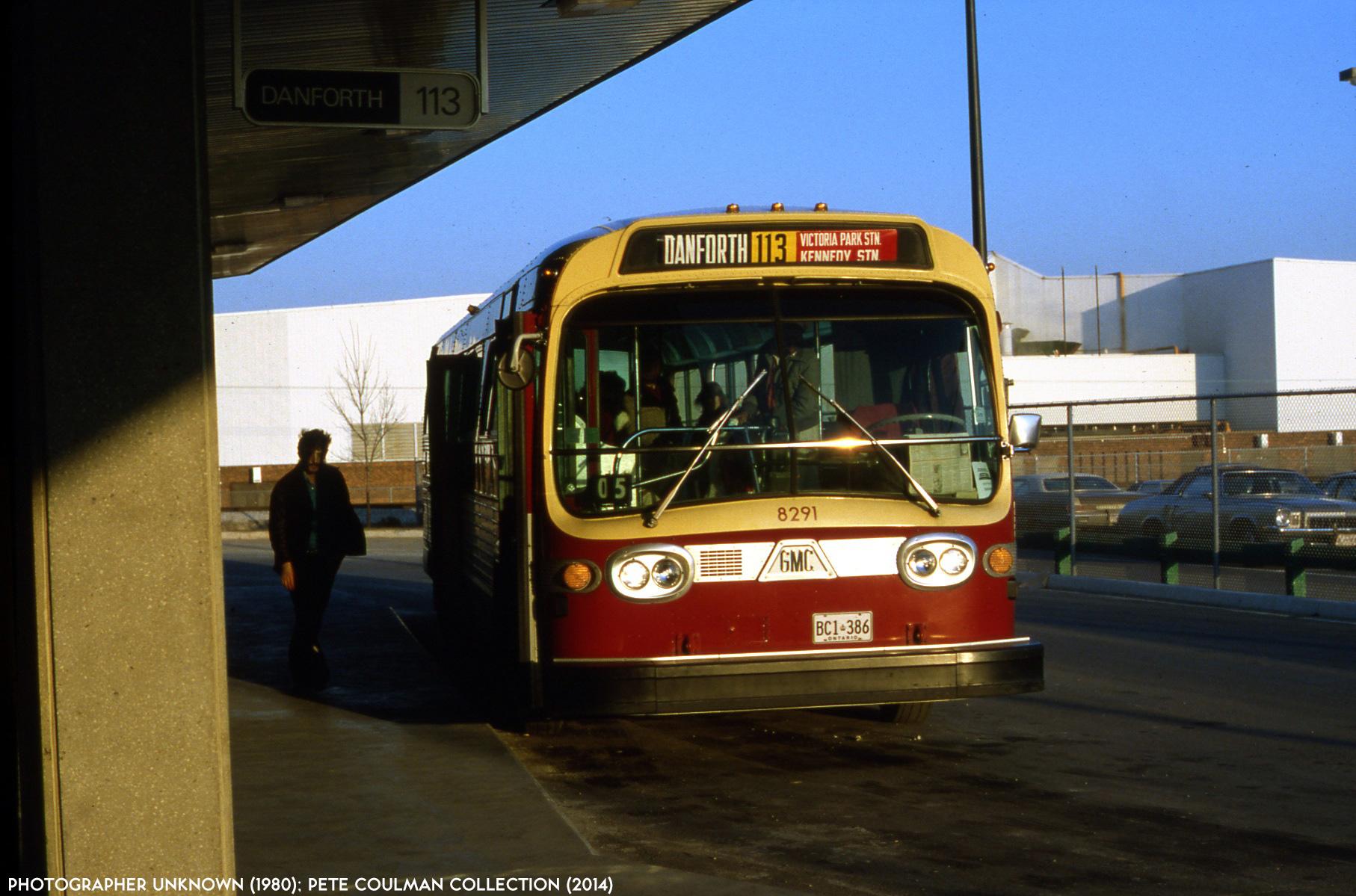 El juego de las imagenes-http://transit.toronto.on.ca/photos/images/ttc-8291-danforth-198011.jpg