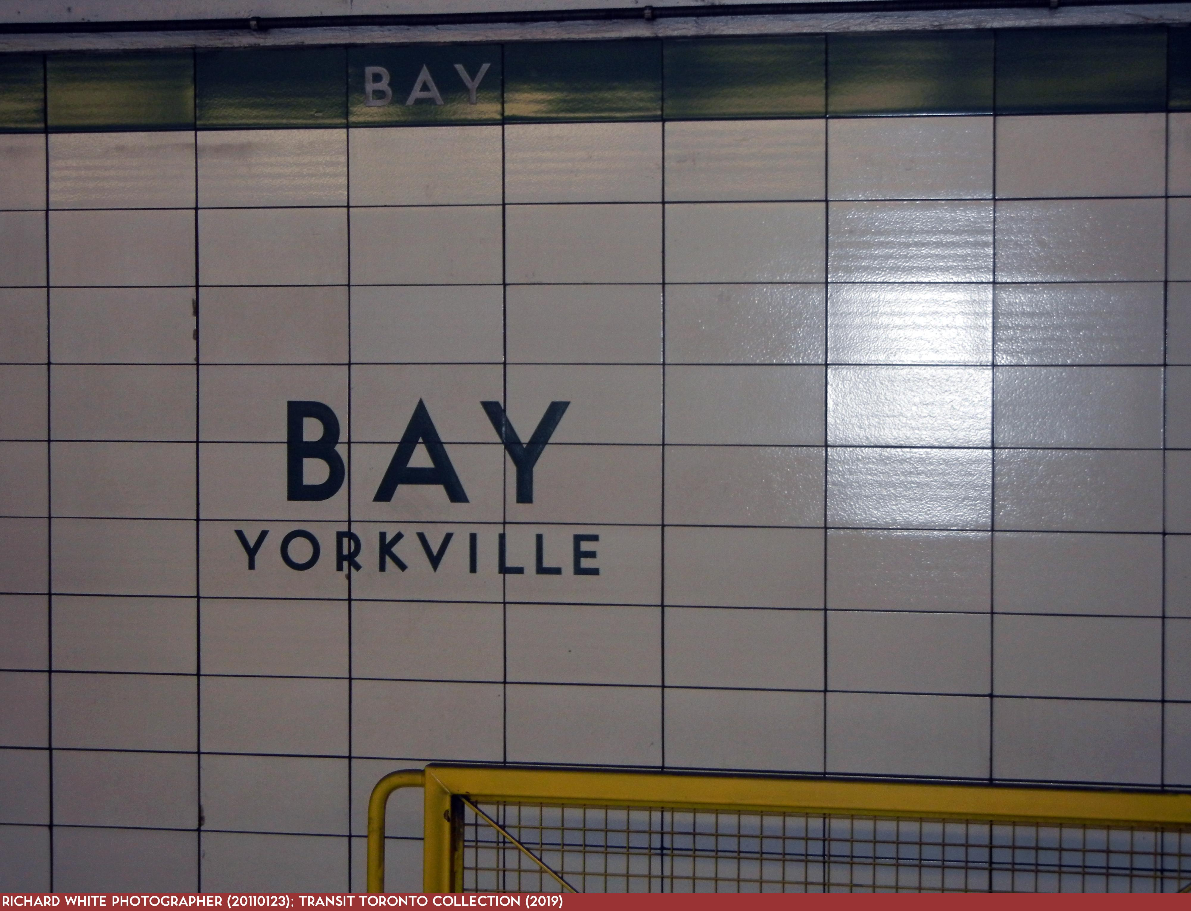Bloor-Danforth Subway 16 Bay 20110123 Platform Sign-3