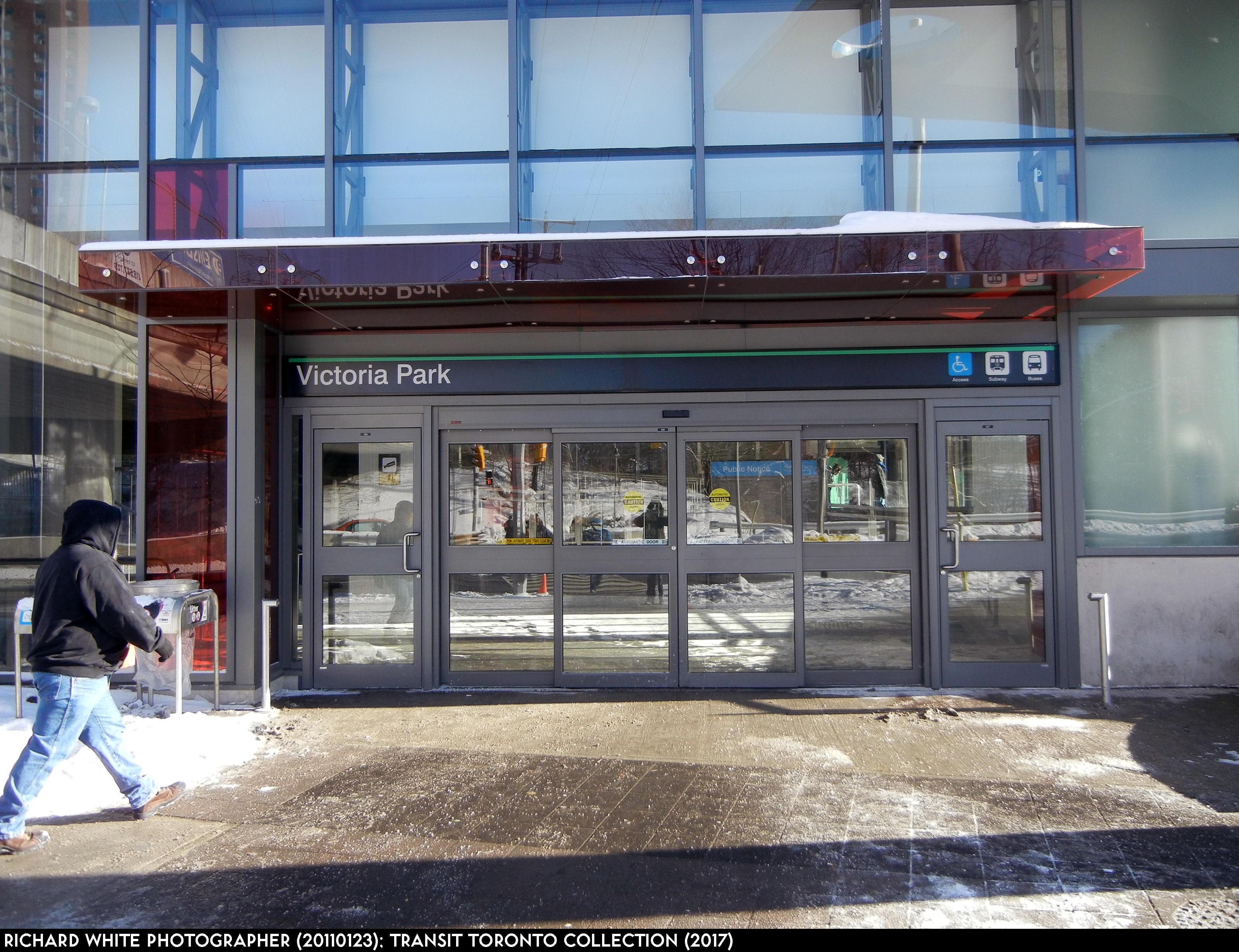 Victoria Park Station 20110123-4